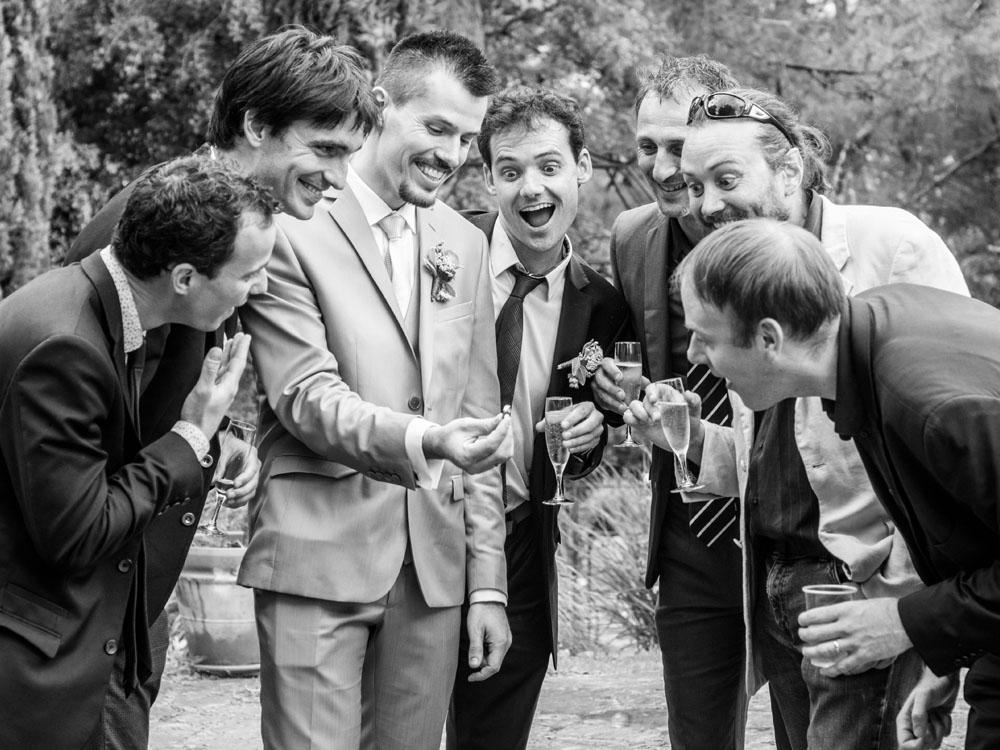 Amis lors d'un mariage
