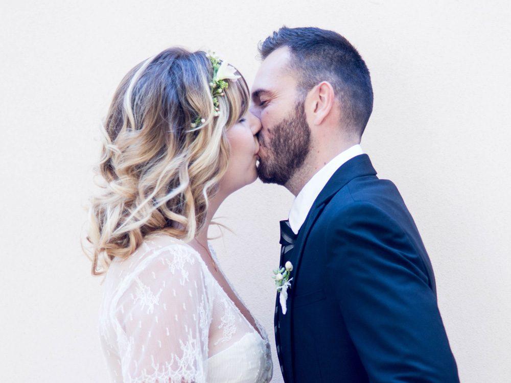 Séance couple réalisée lors d'un shooting inspiration mariage par Sylvia Calmet photographe de mariage en Provence