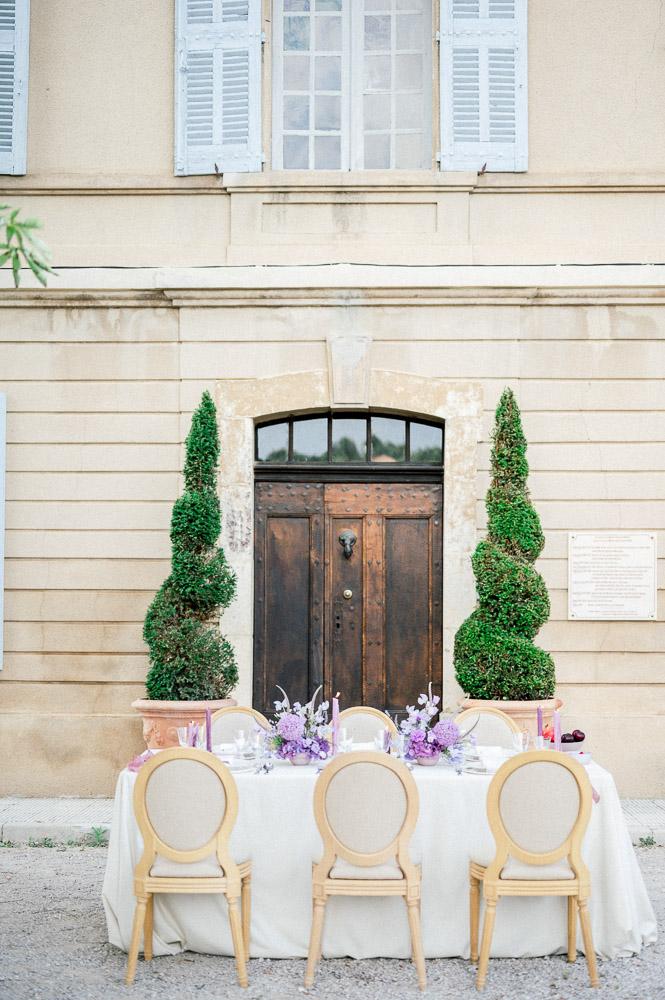 Table de mariage photographiée par Sylvia Calmet photographe de mariahe au château du grand jardin de Valensole
