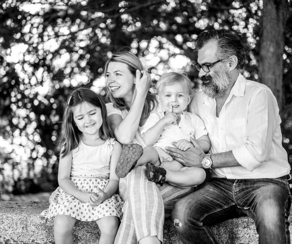 Enfants et parents photographiés par Sylvia Calmet dans Aix en Provence