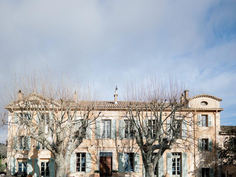 Pantone 2021 au Château des demoiselles de la Motte dans le Var en Provence par Sylvia Calmet